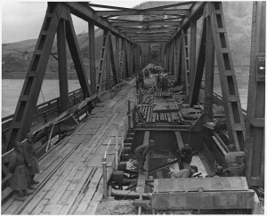 WWII,_Europe,_Germany,__U_S__First_Army_at_Remagen_Bridge_before_four_hours_before_it_collapsed_into_the_Rhine__-_NARA_-_195341